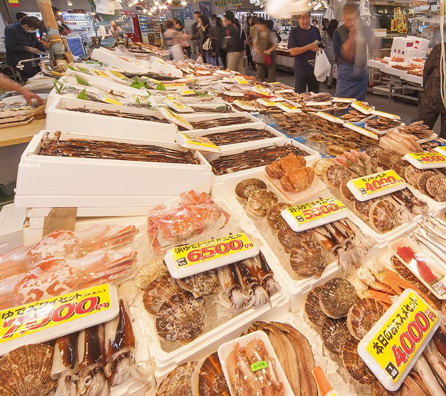 鮮魚店の様子