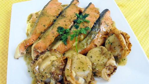 秋鮭とホタテのポワレ ブルギニヨンバターソース