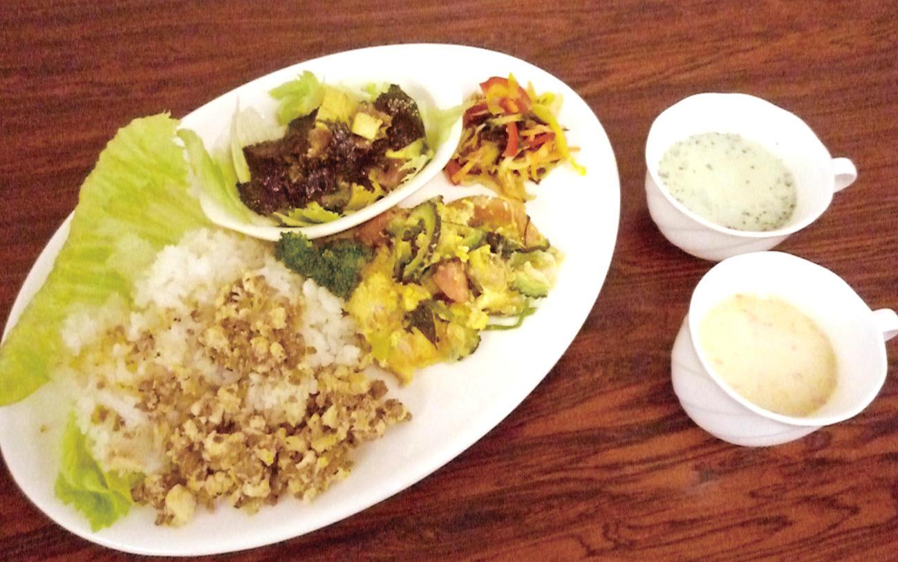 アボカドと韓国海苔のサラダ