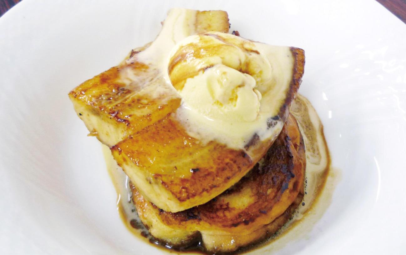 パンペルデュ(フレンチトースト)と焼きバナナとアイスクリーム 濃いコーヒー風味
