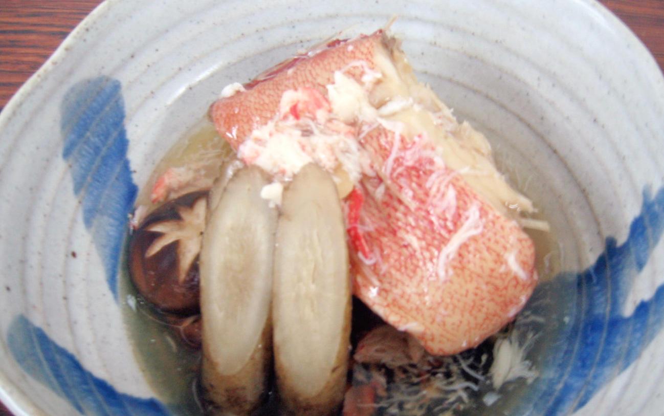 赤魚の煮魚 カニ餡かけ