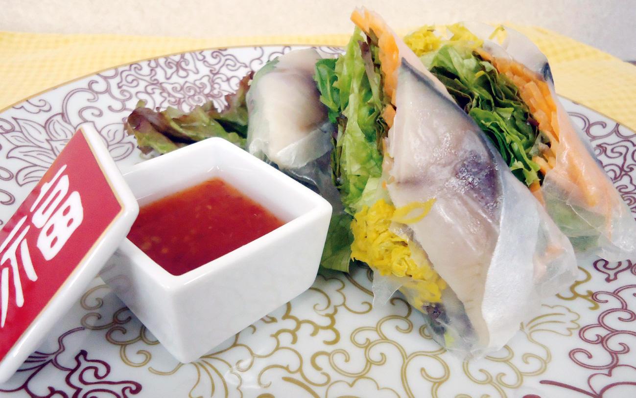 〆鯖と干菊の生春巻き