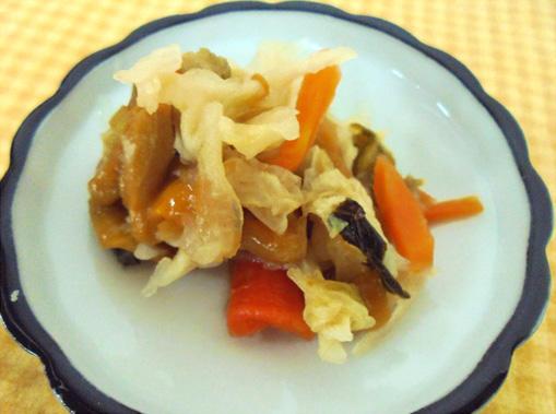 干し野菜と干し柿のピクルス